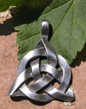 Triquetra hanger, Keltische knoop