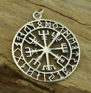 Vegvísir met rune tekens zilver